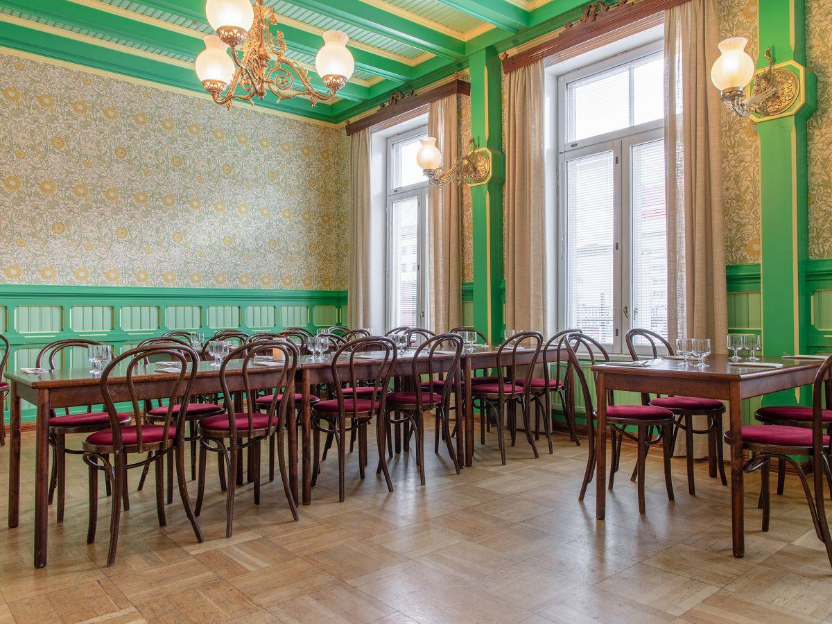 vihreä salonki uusi 2